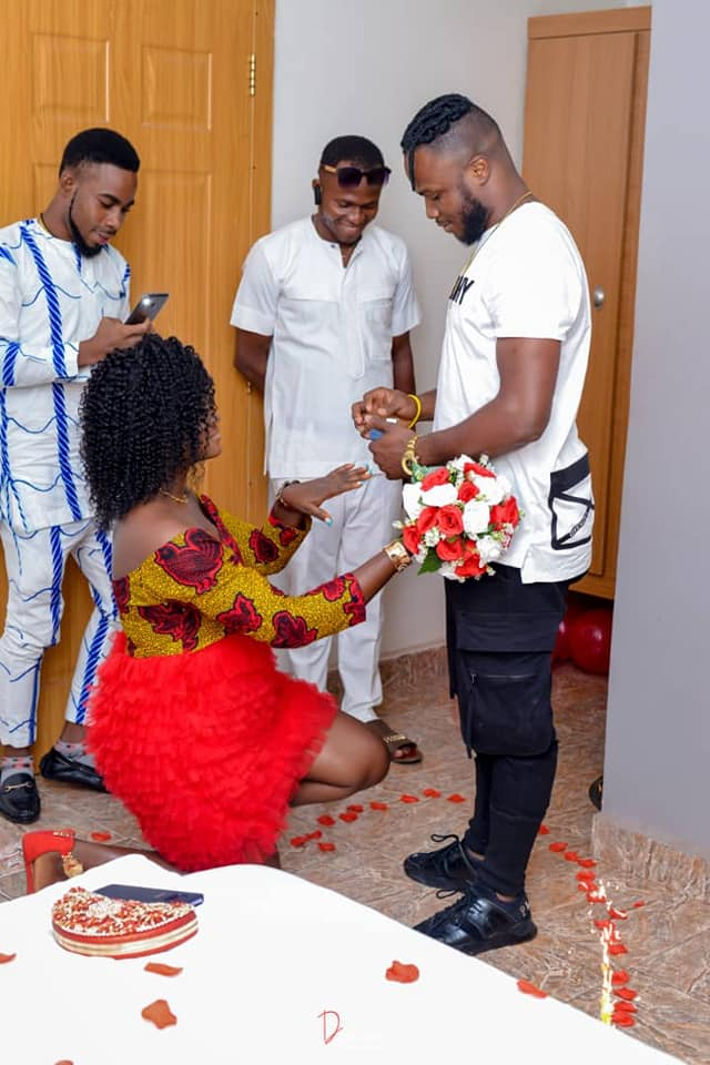 Lady kneels to accept proposal