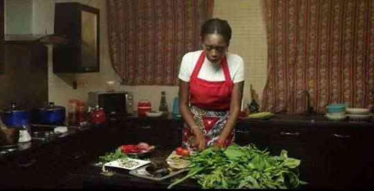 Nigerian lady cooks for man